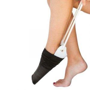Pripomoček za obuvanje nogavic